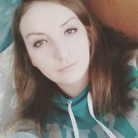 Esther, 20 cherche découvrir d'autres plaisirs