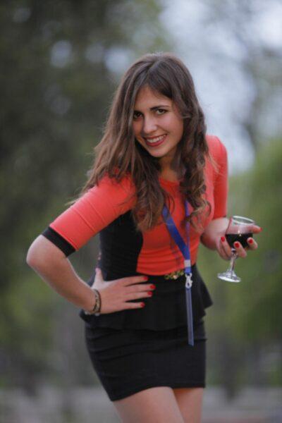 Zina, 20 cherche une rencontre suivi