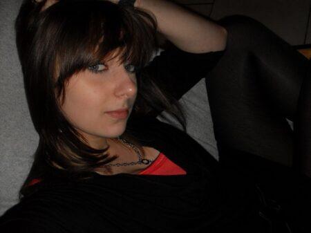 Liza, 22 cherche un plan cul sympa