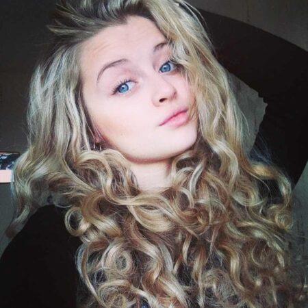 Maureen, 19 cherche une rencontre sexe hard