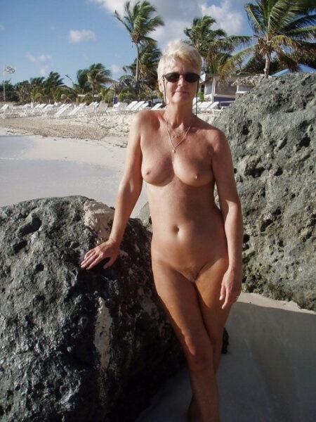 Meline, 63 cherche expérimenter de nouvelles choses