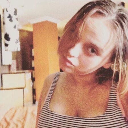 Lily-Rose, 19 cherche un plan sexe